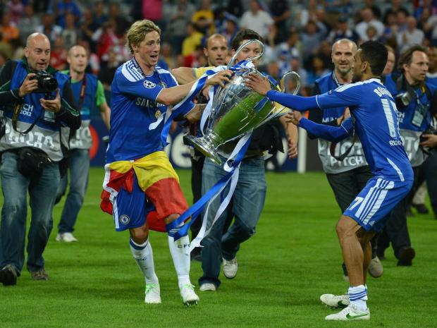 Fernando Torres (L) and Jose Bosingwa (R)