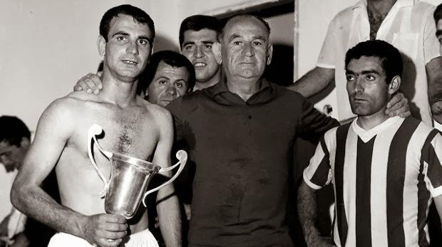 Ο Μπούκοβι με τον Ζαντέρογλου και τον Σιδέρη