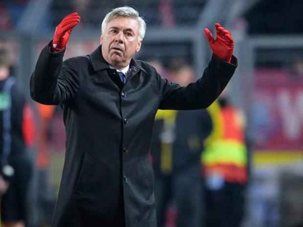 Trainer Carlo Ancelotti FC Bayern Muenchen beim Fussball Bundesliga Spiel zwischen Borussia Dortmu
