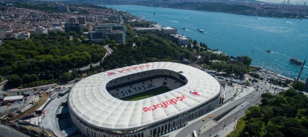 Το υπέροχο γήπεδο της Μπεσίκτας με φόντο τον Βόσπορο