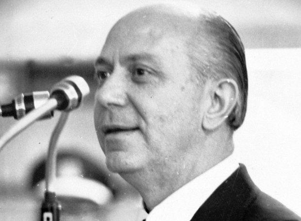 Νίκος Μακαρέζος